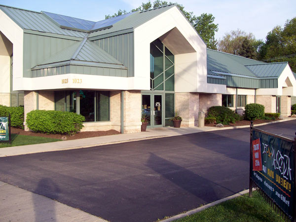 Exterior of Naperville Animal Hospital
